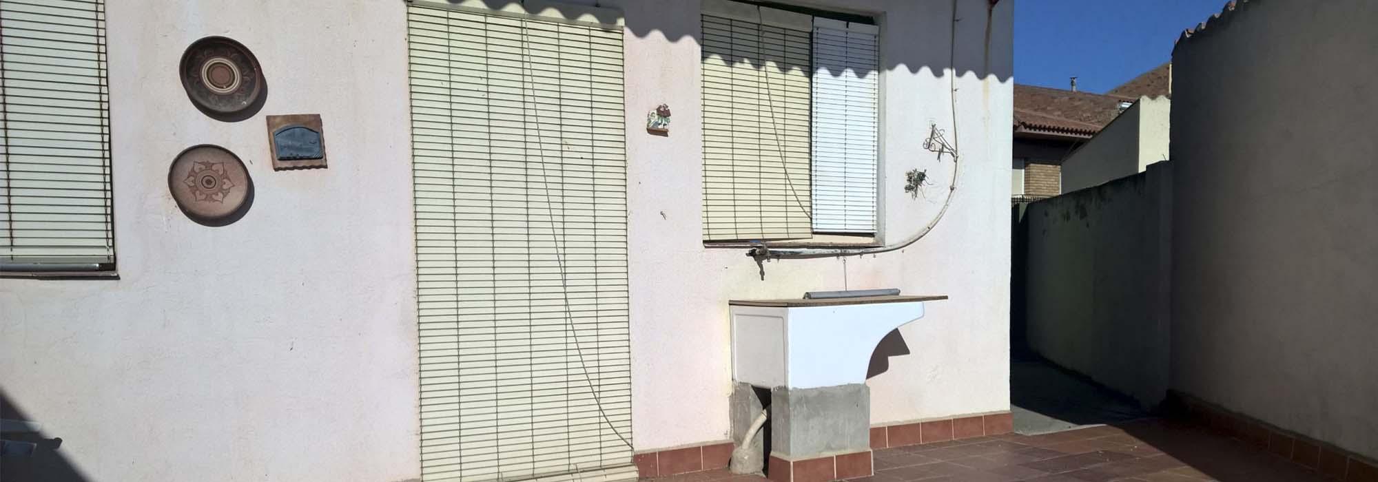 Comprar casa de pueblo conservada-amplia en Torrelameu