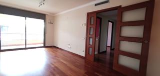 Apartament seminou amb piscina
